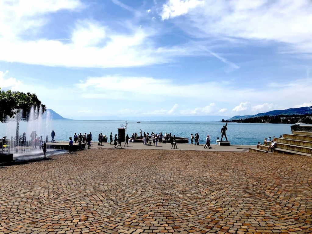 places to see in switzerland, lake Geneva, freddie mercury statue